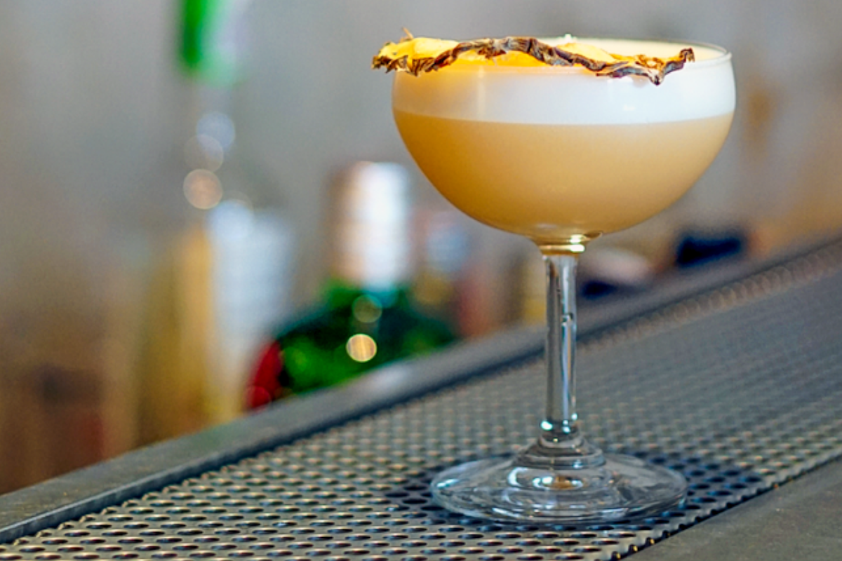 """Our """"Café Frío de Piña"""" cocktail recipe combines sweet pineapple and bitter coffee to create an aromatic, refreshing cocktail."""